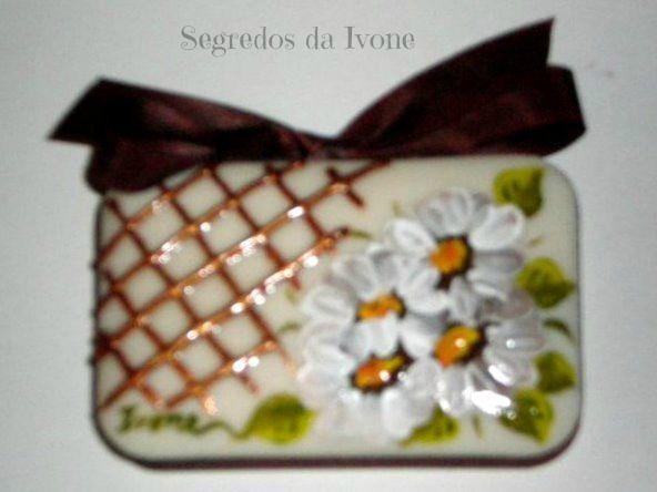 SA36-  Pintura em sabonete - motivo floral