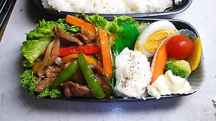 "Genghis Khan bento - ""Mongoian lamb barbecue is called ""Genghis Khan"", here. I don't know why. Genghis Khan is an emperor who founded the Mongol empire. Lamb and mutton are not so popular in Japan, but ""Genghis Khan"" is very popular dish in Hokkaido area."""