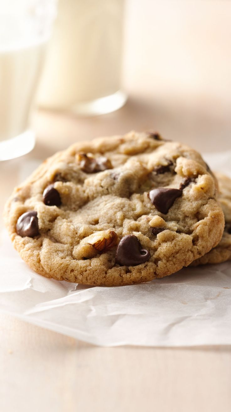 This highly rated recipe is one of Betty's—and your—favorites! It's also one of our most-shared recipes on Pinterest and Facebook. Customize them to your family's fave flavors by using peanut butter, milk chocolate and/or butterscotch chips instead of the semisweet chips.