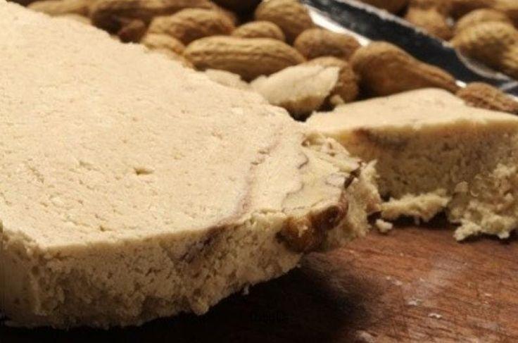 El mantecol es un postre de maní de de origen griego, su receta es muy simple y hoy te enseño a preparar un rico mantecol casero o postre de...