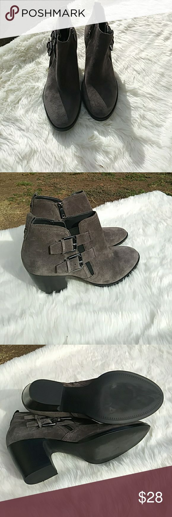 IVANNA TRUMP🍁SALE TODAY ONLY🍁 Leather grey good condition9m Ivanka Trump Shoes Ankle Boots & Booties