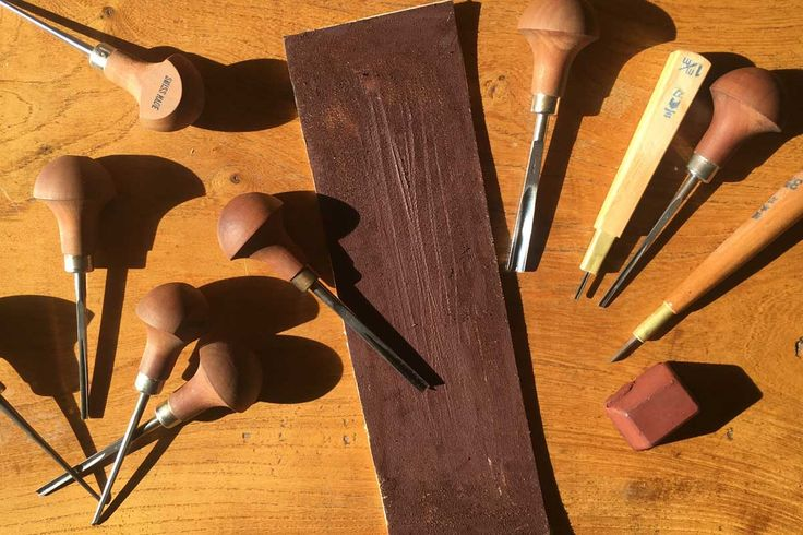 Sharpening lino cutting tools – Part 01 Using a Strop