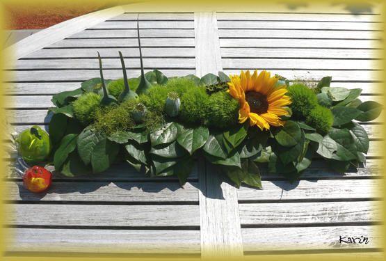 Tafelstuk met zonnebloemen - bloemstuk met zonnebloemen maken - bloemschikken in de zomer