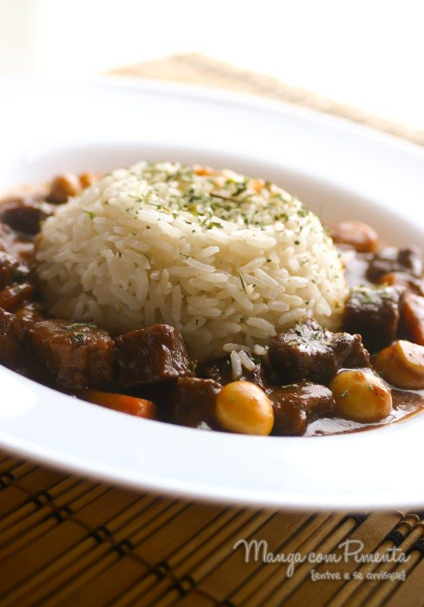 Boeuf Bourguignon, para um jantar especial. Clique na imagem para ver a receita no blog Manga com Pimenta.