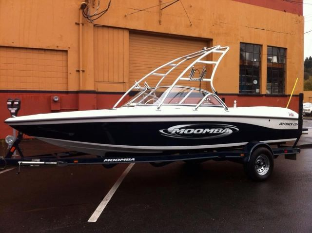 21 feet  2004 Moomba Outback LSV Ski and Wakeboard Boat  for sale in tacoma , WA