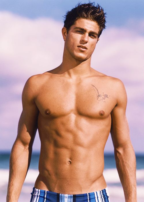 Follow Hunk'o'pedia For More Hot Guys!