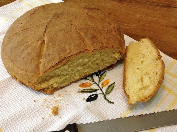 Ψωμί λευκό με καλαμποκάλευρο