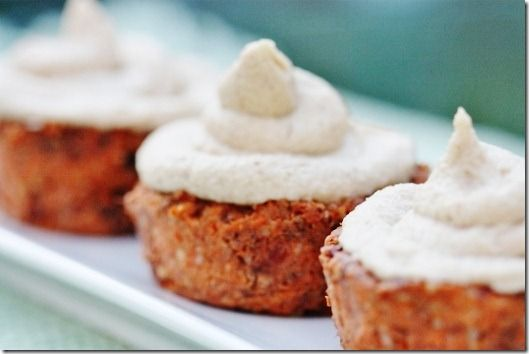 "Carrot cupcakes. (made from carrot pulp or grated carrot. No dehydrator needed. And a raw cream ""cheese"" frosting with no tofu!) looks so tasty."