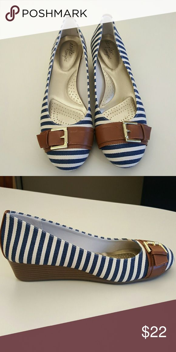 Striped Wedges with Buckle Good Condition deflex comfort  Shoes Wedges