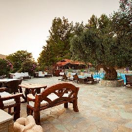 Enjoy the relaxing atmosphere @ Porto Koufo Resort!