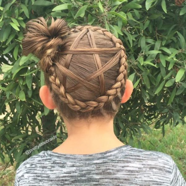 This Mom Braids Unbelievably Intricate Hairstyles Every Morning Before School