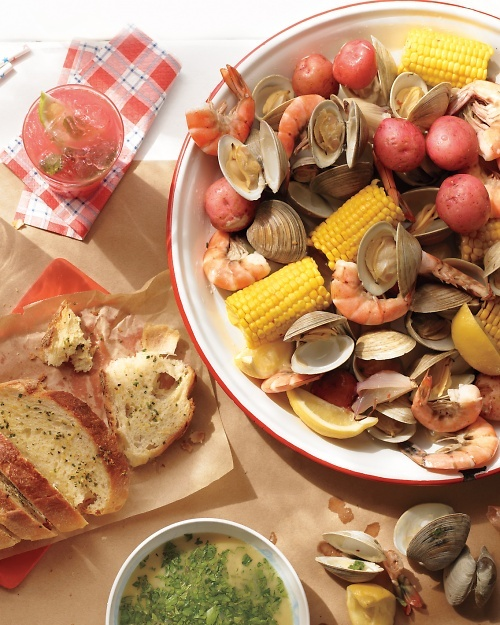 One-Pot Stovetop Clam Bake: Clams Baking, Clam Bake, Everyday Food ...