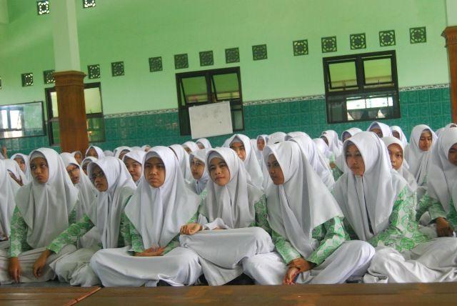 Kemenag salurkan dana Program Indonesia Pintar untuk santri