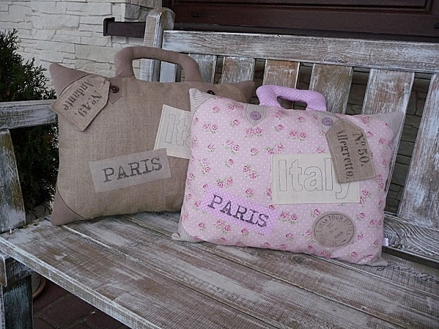 "......such a fun idea for a ""traveling pillow""!..."