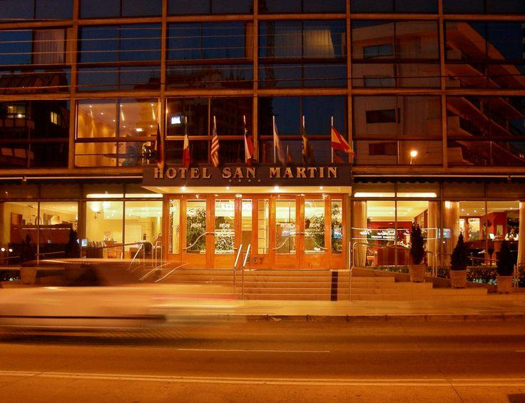 Fachada de noche #HotelSanMartin #VinadelMar #AvenidaSanMarin #Night #Lights #Turismo #ThisisChile #HSM #HSMChile #VRegion #Hotel