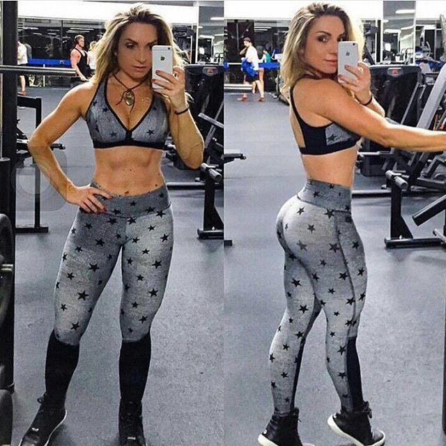 Diva no treino, diva na vida! A maravilhosa @jana_motta toda linda na calça Super Mulher que vc encontra aqui na @sirenafitstore1 Peça a sua!! whatsapp (77) 99194-2414 #sirenafit#inspiration#dieta#sucoverde#trincado#cardio#esmagaqcresce#fibrado#fitness#bjonobiceps#motivation#treinomonstro#avalia#physiquepro#fikagrandeporra#musculacao#fitnessmodel#bcaa#funcional#vidasaudavel#pernapesado#bodybuilding#academia#crossfit#nopainnogain#fodaseopadrao#meuovo #balletfitness