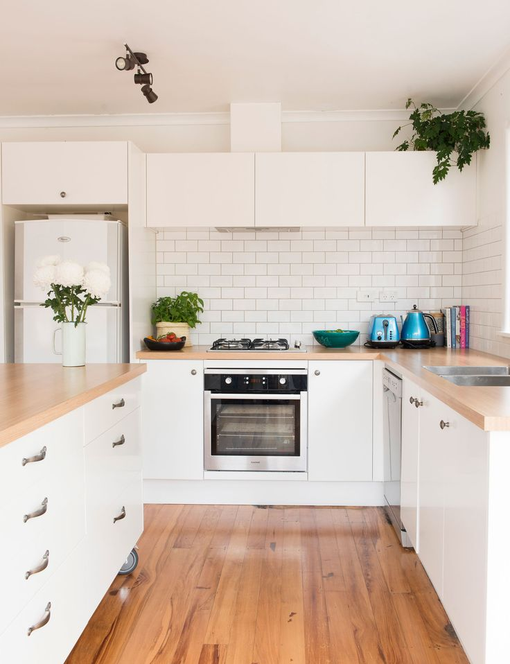 Renovation rookies transform a tired cottage on a shoestring budget