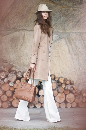 Need this trenchFashion, White Pants, Club Monaco, Hats Hair, Trench Coats, Spring Outfit, Spring 2012, Monaco Spring, Spring Style