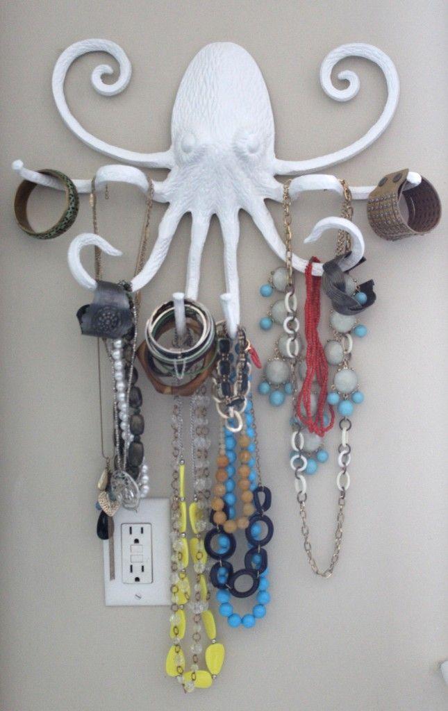 Unexpected Jewelry Organizer. Jewelry Holder. Jewelry DIY. DIY. www.simplestylings.com
