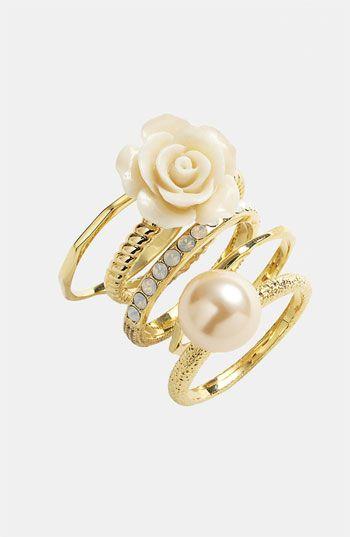 Ariella Collectie Flower & Faux Parel Stapel ringen (set van 5) (Nordstrom Exclusive) | Nordstrom