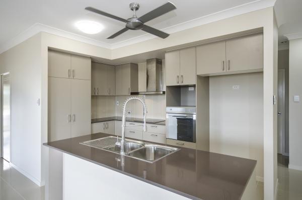 www.martinlockehomes.com.au Townsville's Award Winning Builder  Kitchen