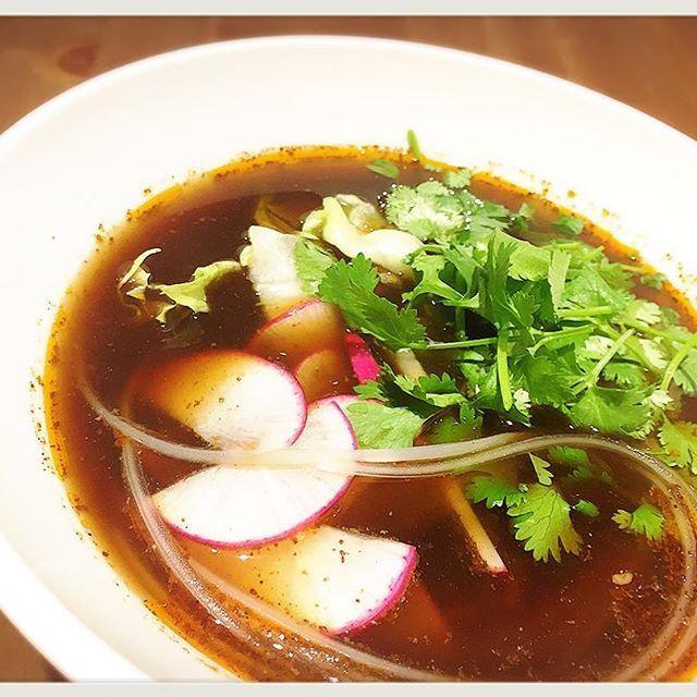 """2016/11/19 16:29:59 itadaki.soup.harusame サラダマーラータン… 毎度ありがとうございます!頂マーラータンです☆  今回は新トッピングの""""レディーサラダ""""を使ってよりヘルシーなサラダマーラータンにしてみました! 見た目も鮮やかなレディーサラダは皮ごと食べられるので通常の大根よりも栄養価が豊富でオススメです(^^)/ 頂マーラータンでは ★☆忘年会、各種パーティー承っております☆★ ★☆Wi-Fi利用可能です☆★ ★☆テイクアウト出来ます☆★ #頂マーラータン #七宝 #新宿 #新大久保 #魯肉飯 #グローブ座 #薬膳 #漢方 #コラーゲン  #春雨 #美容 #中野 #ヘルシー #麻辣湯 #火鍋 #スッポン #担々麺 #健康 #マーラータン #高田馬場 #ランチ #ダイエット #池袋 #WiFi完備 #ディナー #パクチー #忘年会 #レディーサラダ 頂マーラータン #健康"""
