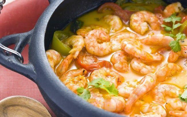 Aprenda a fazer Moqueca de camarão de maneira fácil e económica. As melhores receitas estão aqui, entre e aprenda a cozinhar como um verdadeiro chef.