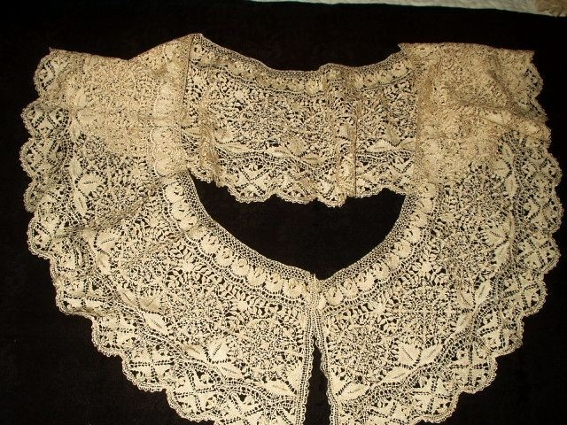 Antique 19th Century Victorian Handmade Silk Maltese Bobbin Lace Collar  www.the-gatherings-antique-vintage.net