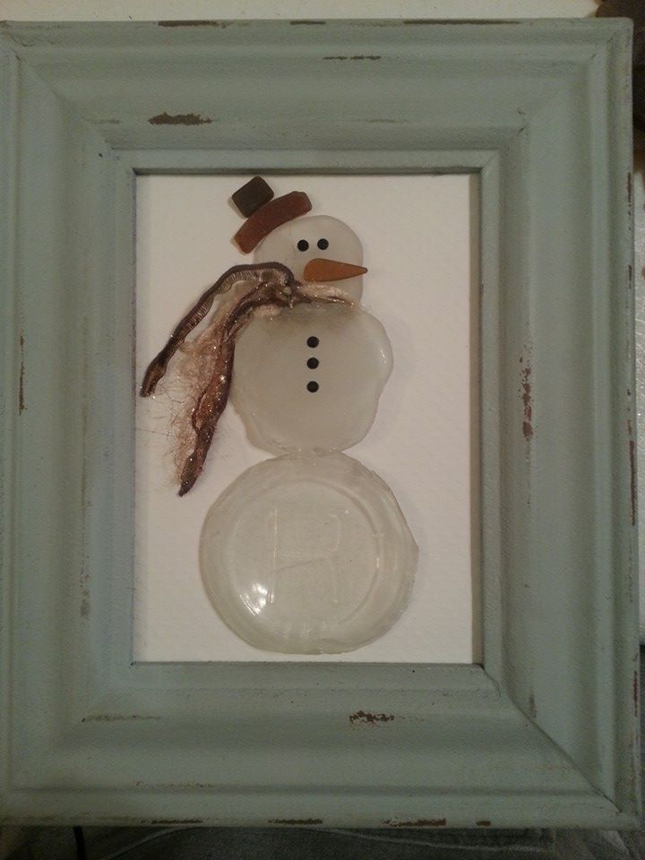 Sea glass snowman. - Created by Stacie Taylor http://www.pinterest.com/sctaylor/  Created by Stacie Taylor with P-FOG Designs.  Check me out on Facebook as well: https://m.facebook.com/groups/947294248634952?ref=bookmarks