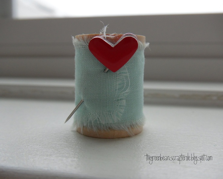 spool wrapped: Sewing In, Crafts Ideas, Cute Ideas, Valentines Day Ideas, Spools Ideas, Valentines Inspiration, Greeting Card, Unrol Fabrics, Fabrics Messages