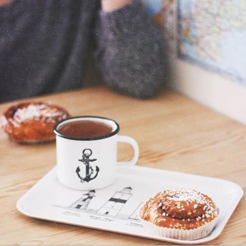 Today - Cinnamon Bun Day - Go enjoy a classic fika! 👍🏻⚓️ ☕️ Regram from @january.child #lionsandcranes #lionsocranes #kanelbullensdag #kanelbulle #cinnamonbun #cinnamon #bun #enamelware #enamel #fika #enamelmug #emaljmugg #kaffe #coffee...