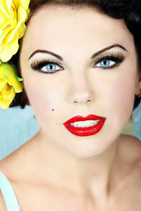 Wedding Makeup Winged Eyeliner : Stunning! 1940s makeup inspiration:: Red Lipstick:: Pin Up ...