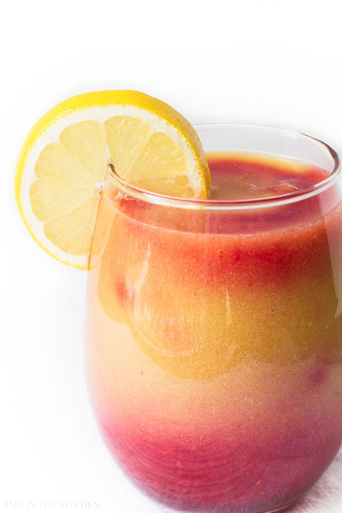 Sunrise Detox Smoothie | Drink first thing in the morning to help get your body off to the right start!