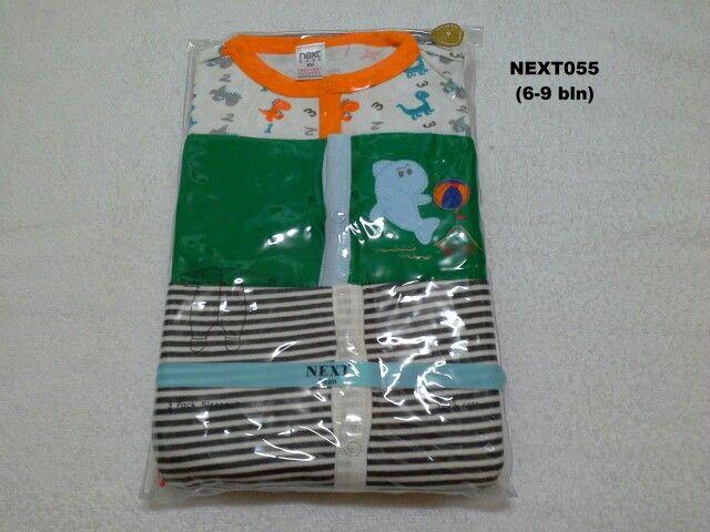 #Sleepsuit Next (NEXT055) ~ 130ribu ~ Ukuran : 9M. Untuk umur : 6-9 bln. Panjang badan bayi 68-74cm (8-9.5 kg) ~ Sleepsuit Next ini terdiri dari 3 baju dalam 1 paketnya (Lengan panjang & celana panjang tutup kaki yang menyatu)