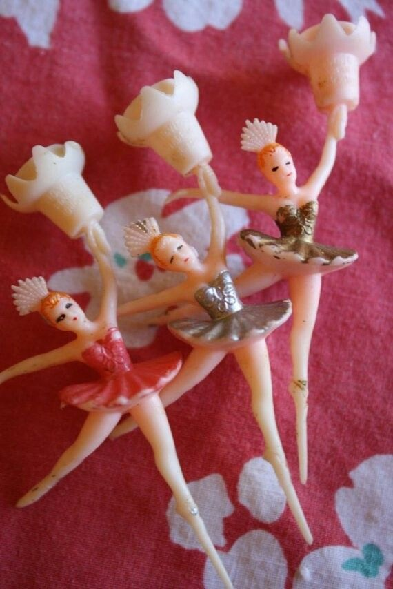 I remember these ballerinas on birthday cakes throughout my childhood. Great memories!