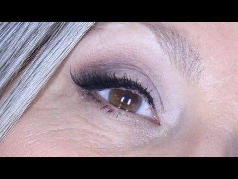 ≈ SOMBRAS MATES CON DELINEADO DIFUMINADO ≈ Makeupmasde40 - YouTube