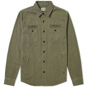 The Pocket Labour shirt by Japanese stalwarts Edwin arrives in classic military styling with two chest pockets with button closure, there are additionally two side entry pockets above the hem. It features button cuffs and typographic print above it's chest pockets. 100% Cotton Spread Collar Four Pockets Patchwork Detailing Button Cuffs