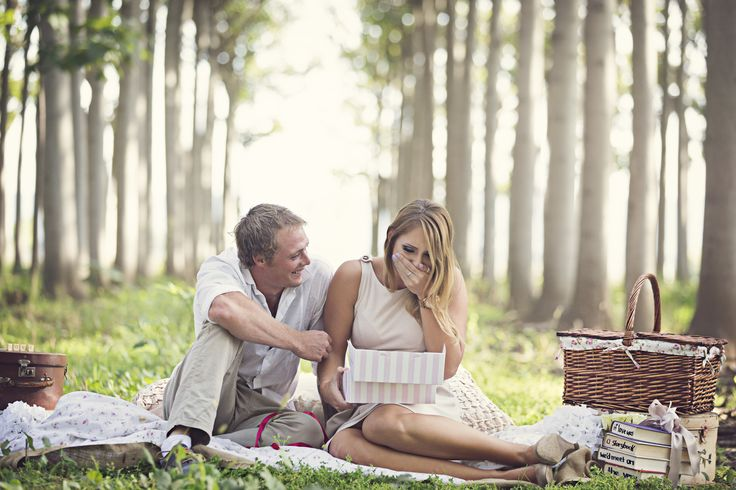 Most romantic proposal I've ever seen.  Photography: Simply Photography - www.simplyphotography.com.au  Read More: http://www.stylemepretty.com/australia-weddings/2014/06/09/surprise-proposal-shoot-and-film/