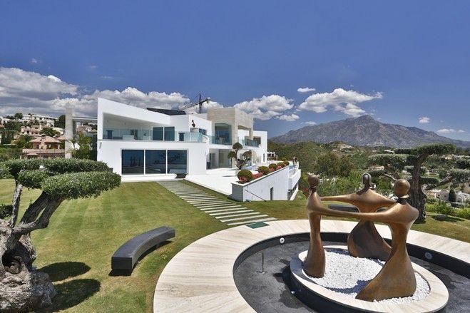 【スライドショー】スペイン・アンダルシアの海と山見晴らすモダンなビラ - WSJ.com