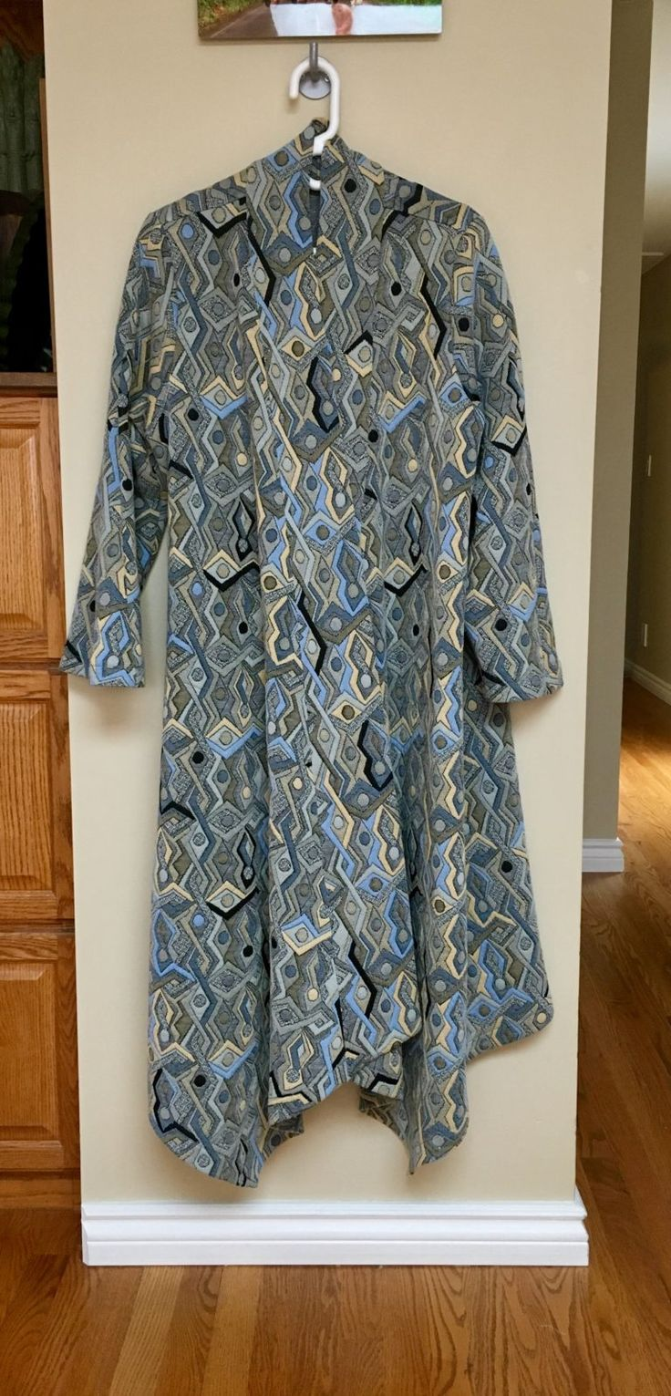 Sandra Betzina Vogue V8659. And Sew it was . . . My First 10-Day Sewcation | EmmaMai in Stitches