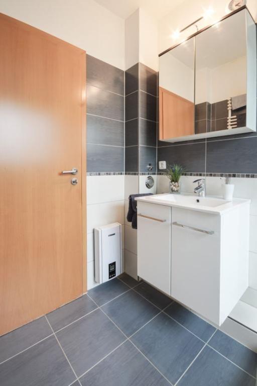 Badezimmer Teilweise Gefliest Badezimmer With Badezimmer Teilweise