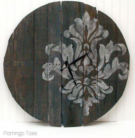 Large pallet clock, I want for outside or even inside.