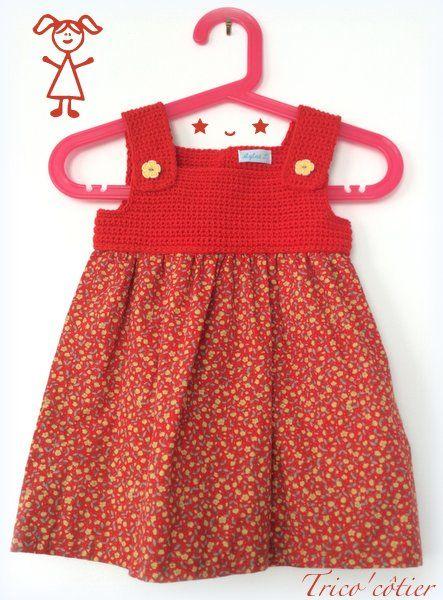 Une association crochet et couture pour cette robe vintage remise au goût du jour. Dress for baby girl. (robe bébé enfant fille)