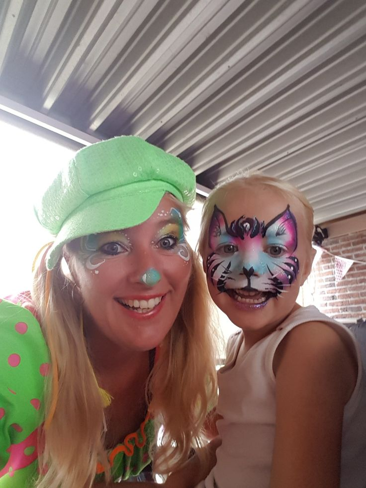 Clowntje Joy Schmink with joy