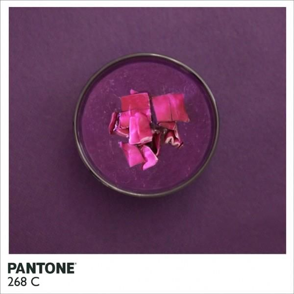 Pantone 268 C