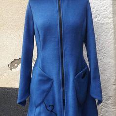 """Manteau veste de fée elfique """"elwing"""" grande capuche  polaire bleu roi  sanlivine"""