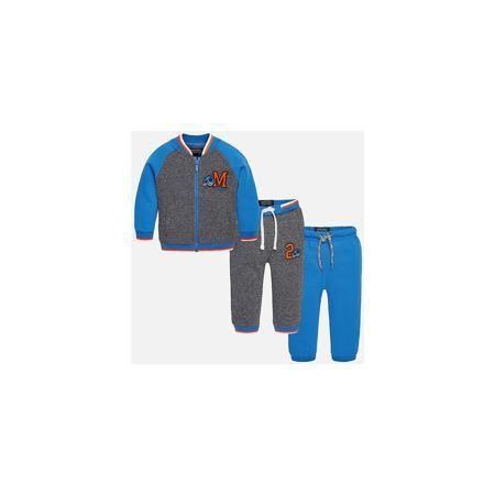 Mayoral Спортивный костюм для мальчика Mayoral  — 3559р. ------- Спортивный костюм для мальчика Mayoral (Майорал) Теплый спортивный костюм для мальчика Mayoral от известной испанской марки Mayoral (Майорал) - прекрасный вариант для активного отдыха или повседневной носки. Изготовлен из натурального высококачественного хлопкового трикотажа с добавлением синтетического волокна. Мягкая ткань, не вытягивается, не сковывает движения. Толстовка имеет два боковых кармана,  низ и манжеты на резинке…