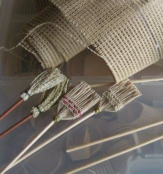 How cute! how to: brooms I see these on layouts...cards...party favors...CUTE, CUTE, CUTE!