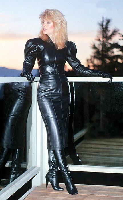 Pin auf Latex Hobbledresses and -skirts