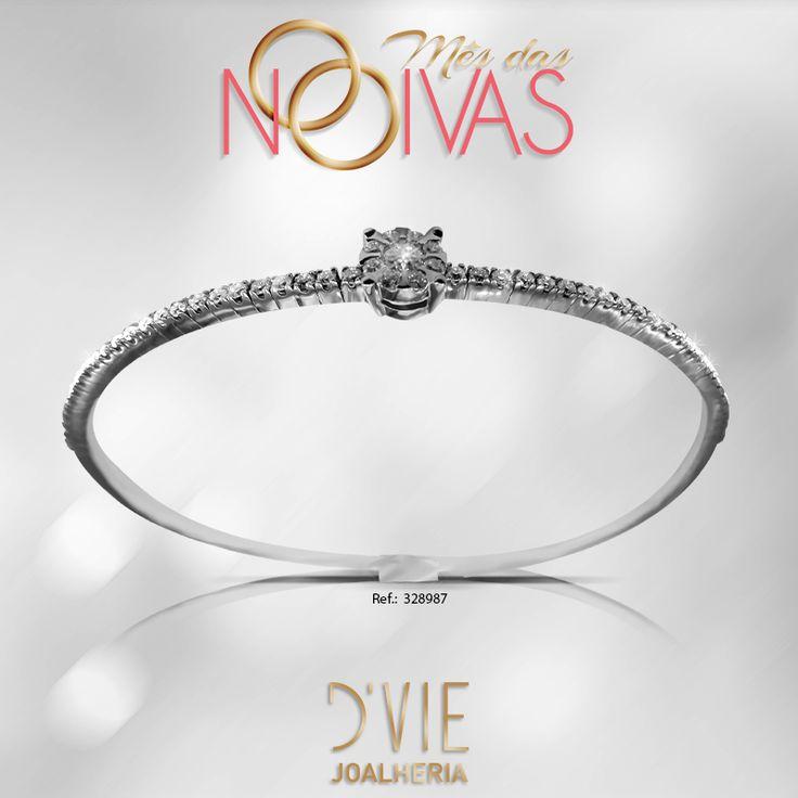 Lindo bracelete em diamantes e ouro branco. Apaixonante!